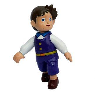Играчка дете со виолетова кошула